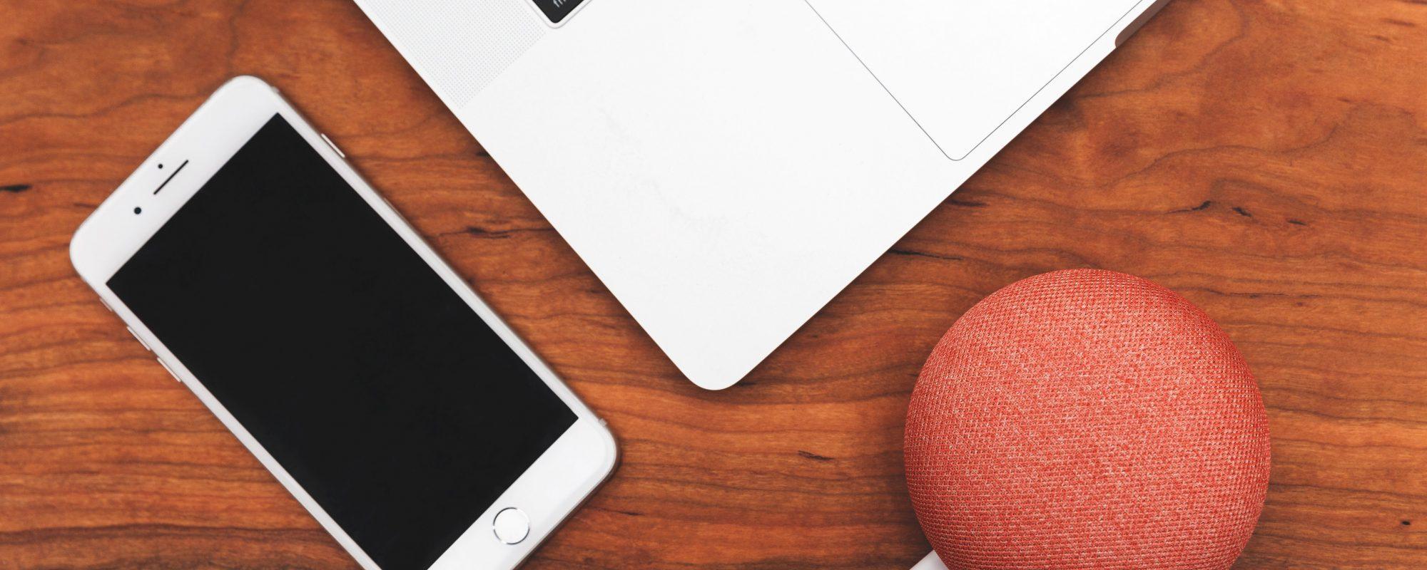 smart-home-assistant-smartphone-laptop_4460x4460